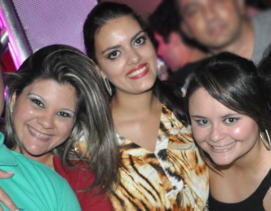 Paula, Fernanda e Nayra: advogado conhecia(Foto: Magnun Rógeres/ODIA)