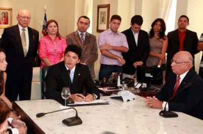 Governador em exercício Marcos Caldas afirmou estar honrado ao assumir o cargo