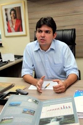 Secretário Vitor Mendes