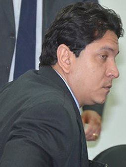 http://www.luispablo.com.br/wp-content/uploads/2013/05/F%C3%A1bio-Capita-2.jpg