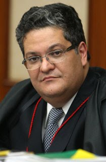 Ministro Henrique Neves
