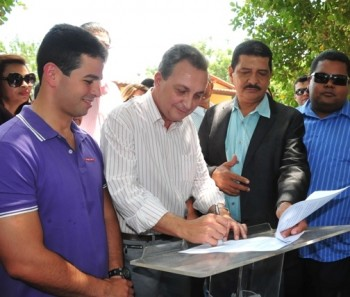 Gil e Luis Fernando autorizaram o início da obra de construção do campus universitário