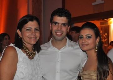 Governadora Roseana ao lado do genro Gustavo Amorim e a filha Rafaela Sarney
