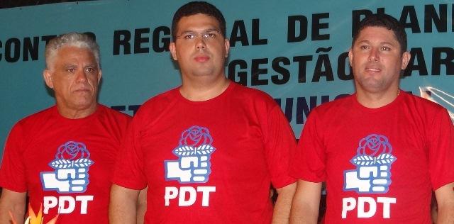 Fmília Macedo: empresário Dedé, pré-candidato Fábio e o prefeito de Dom Pedro, Hernando
