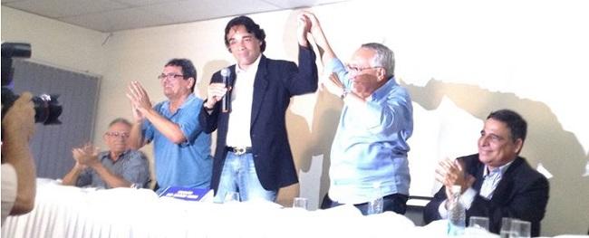 Edinho Lobão anunciando Gastão Vieira como candidato a senador