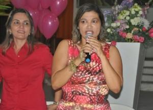 Rosângela Curado discusando durante o encontro